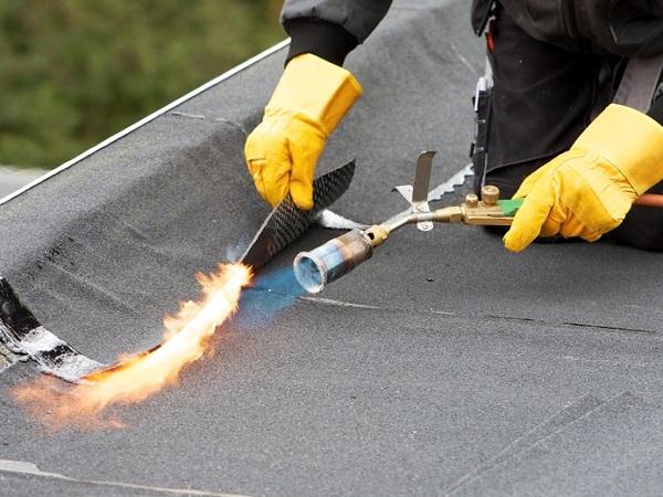 Etancheite toiture plate : raccord soucé